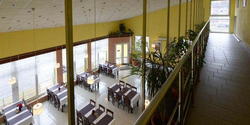 restaurant-interior-hotel-maier-hunedoara-romania-3-stele